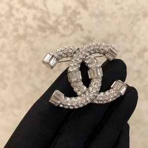 Jewelry - CHANEL Brooches